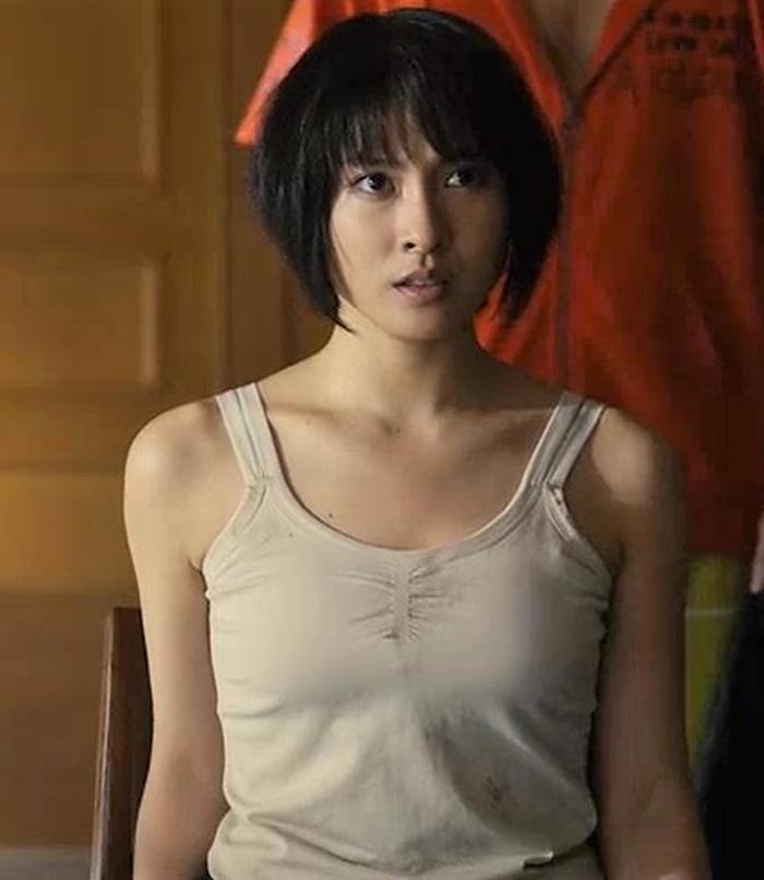 土屋太鳳 ドラマ『今際の国のアリス』第5話 理想郷ビーチ!   素敵な女優ダイアリー